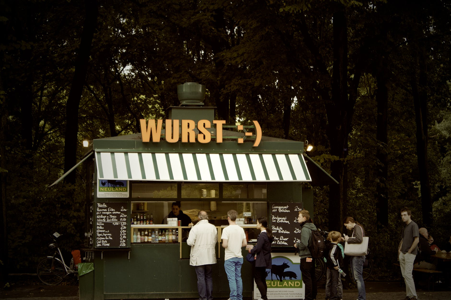 germany kiosk line lunch